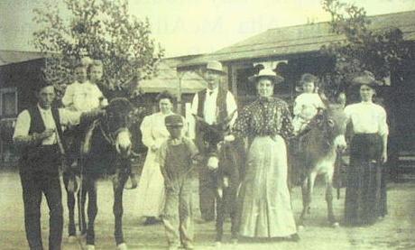Anette Ellis Family.jpg
