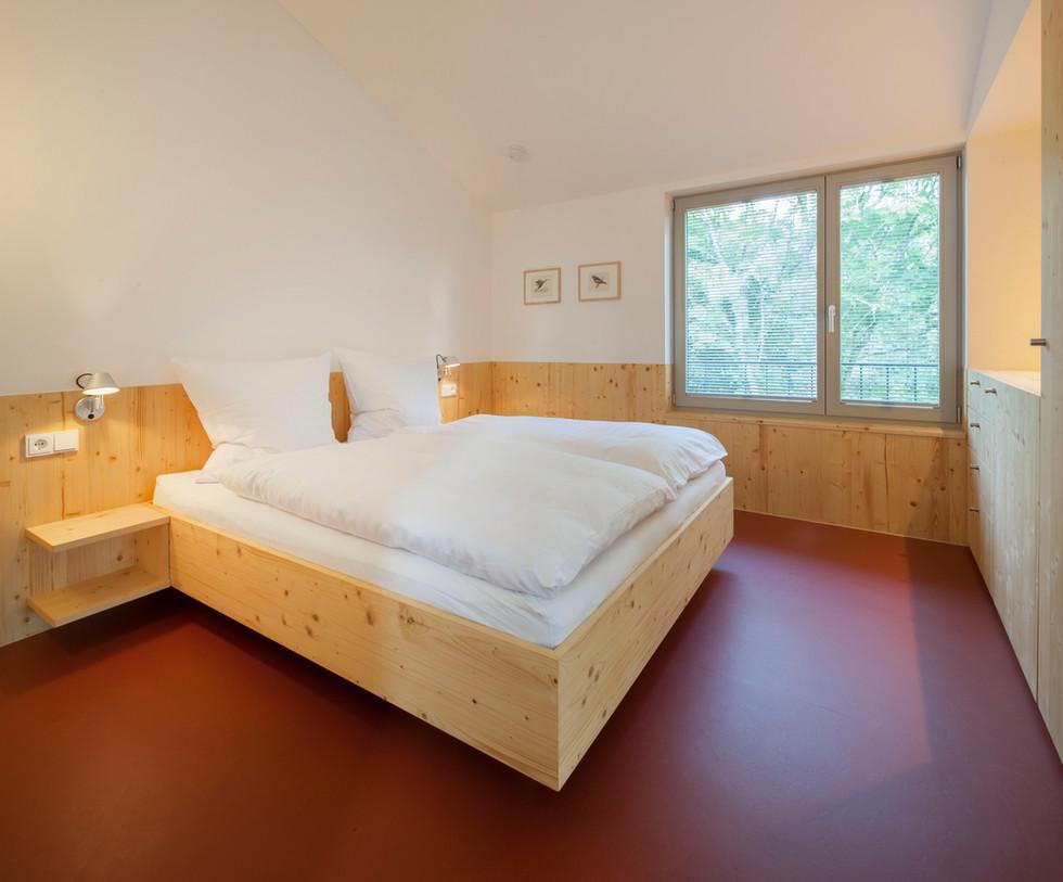 Schlafzimmer (1).jpg