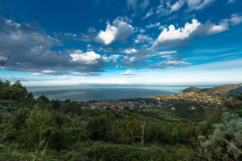 Blick aufs Meer über A' Crápa Mangia hinweg. Foto: Johanna Barnbeck