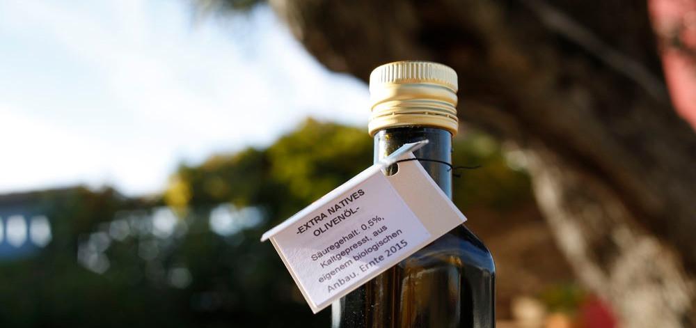 Olivenöl aus unserem Olivenhain