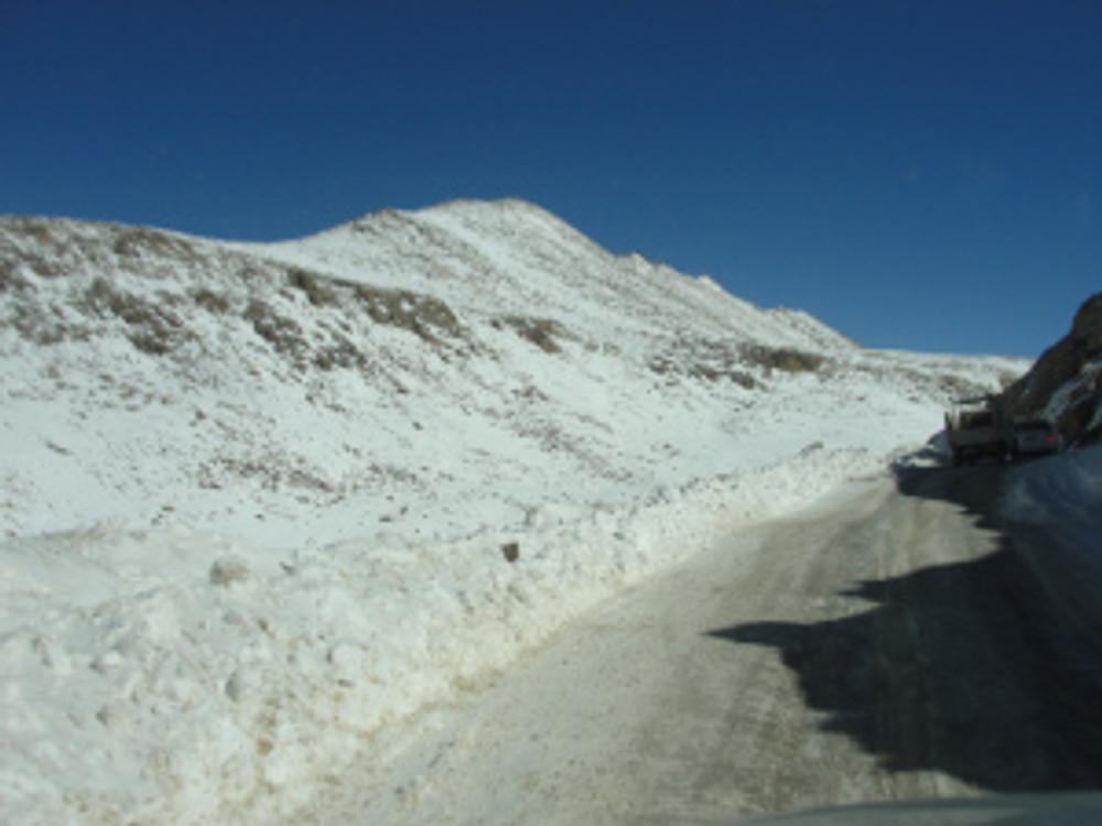 Drive to Khardungla Pass