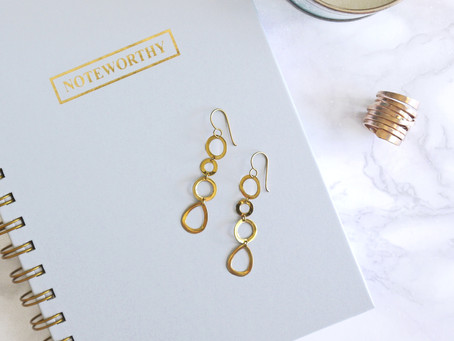 How to Use Accessories to Convey Your Business Message