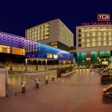 Hotels / Clubs