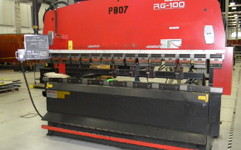 NC AMADA BENDING MACHINE RG-100