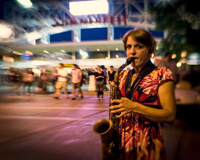 (Story) Saxophone Girl