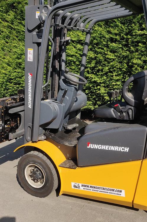 Jungheinrich LPG 2.5 ton met sideshift en brede vorkversteller