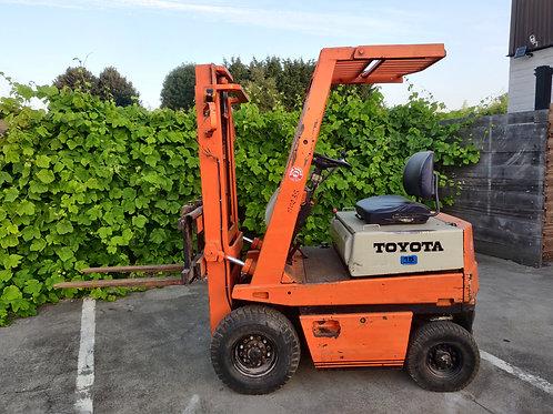 Toyota 1500 kg elektrisch met sideshift en  lader