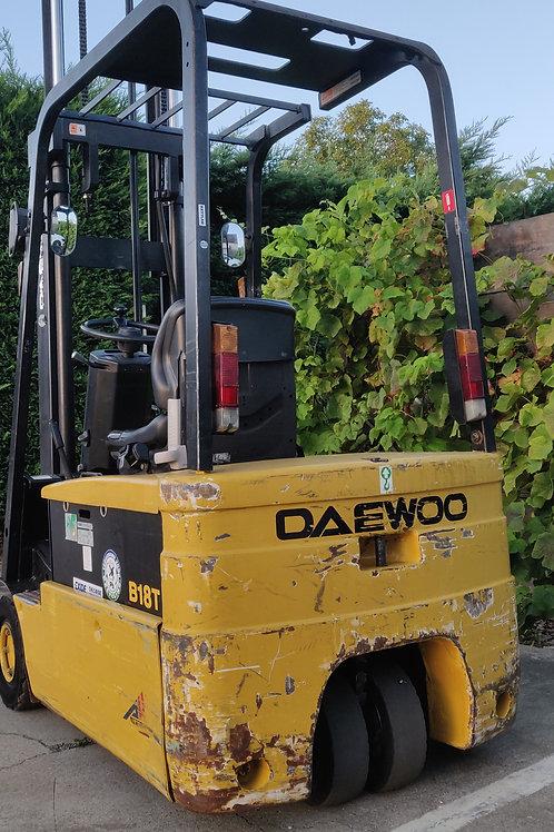 Daewoo 1.8  ton met 4800 cm mast en sideshift