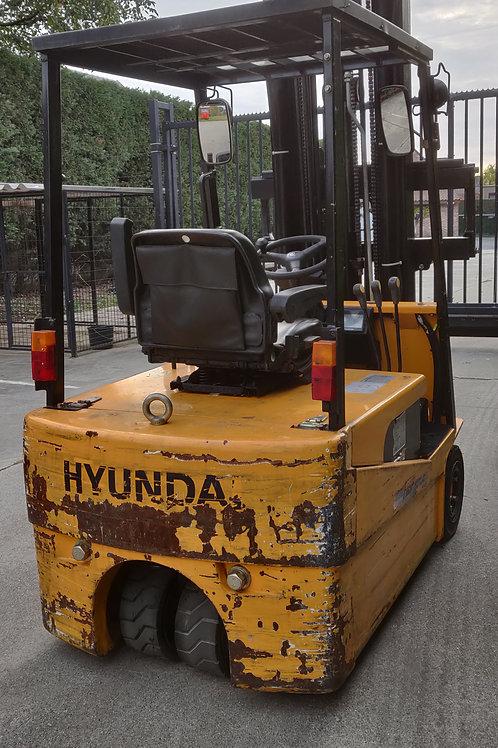 Hyundai 1.8  ton met 5000 cm mast en sideshift