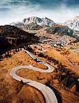 alpine-roads-in-italy-picjumbo-Viktor Ha