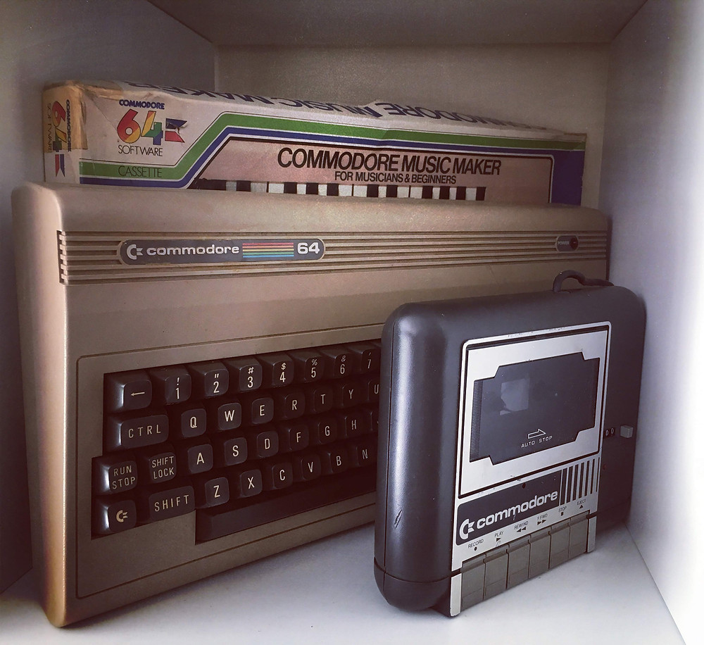 retro games console C64