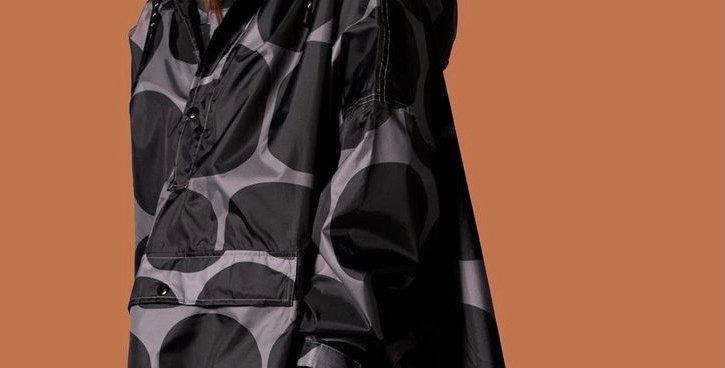 COMING SOON Poncho Rain kiss unisex - black polka