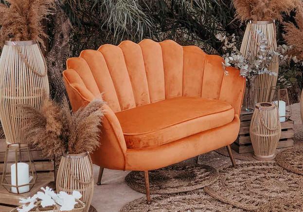 sofa terciopelo naranja teja boda alquil