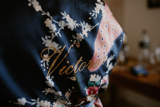 bata kimono novia invitada amigas person