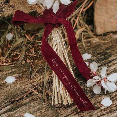Cinta burdeos personalizada ramo de novia