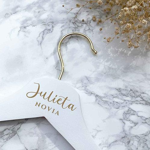 Percha Personalizada Blanca de Madera + gancho dorado