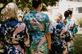 bata kimono dama de honor personalizado