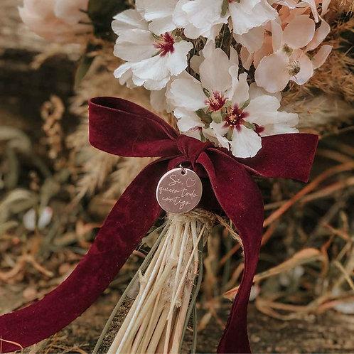 Medalla oro rosa grabada ramo de novia