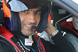 Du coaching par un pilote pro. Antoine Leclerc, champion de France GT et ex pilote officiel Bentley