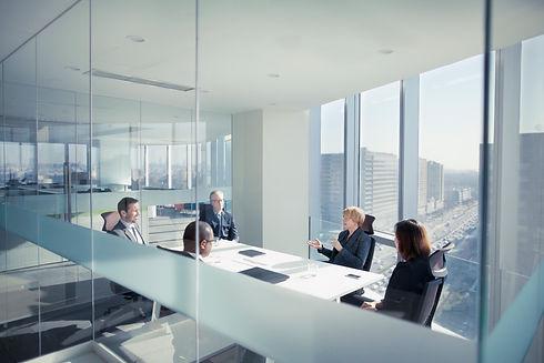 Glass-Office-Meeting_iS-1149306385.jpg