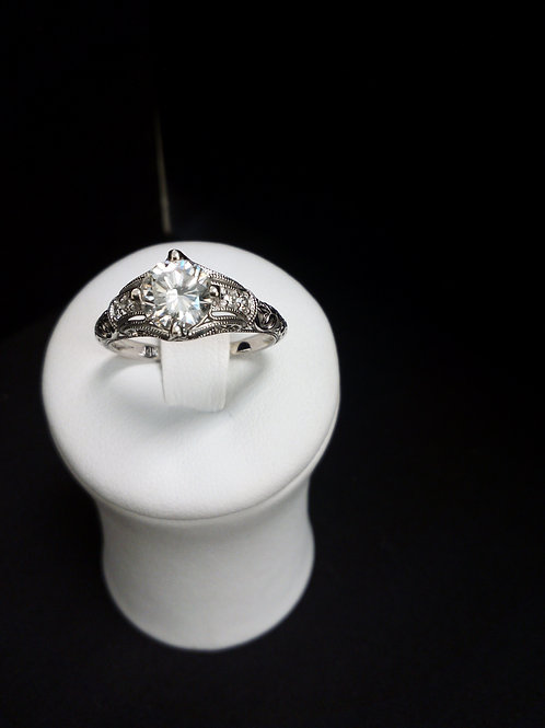 Engagement Vintage Diamond Ring  Center Stone 1.0 Ct