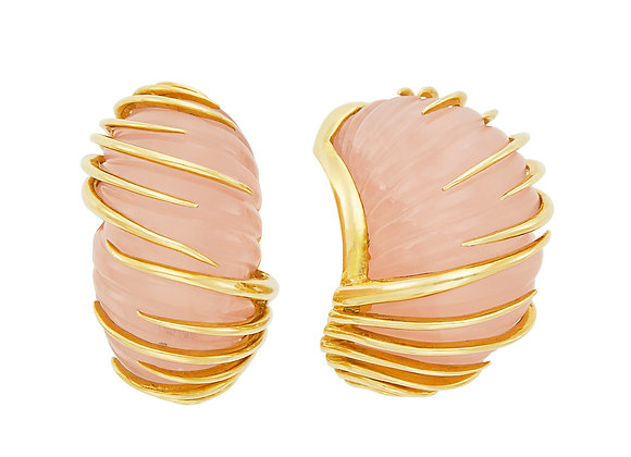 Van Cleef and Arpels Carved Rose Quartz Earrings in 18 K yellow gold