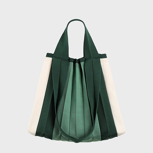 Plissierte Shopper-Tasche aus recyceltem Meeresplastik grün