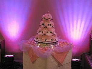 Uplit Wedding Cake