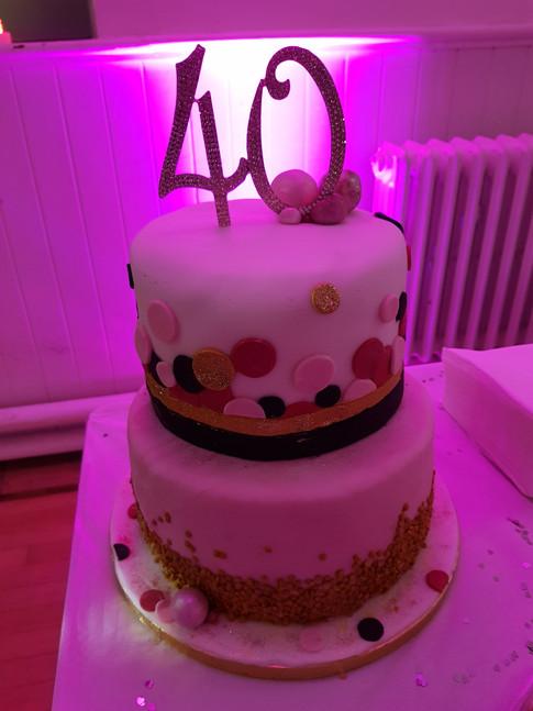 Uplit 40th Birthday Cake