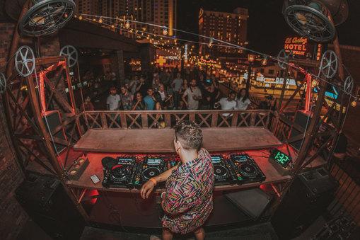 Gerry Gonza // Las Vegas
