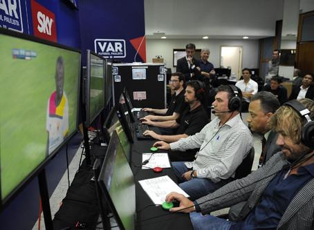 No Painel convida #18 : -Paulo Roberto -VAR: Tecnologia nova, problema antigo