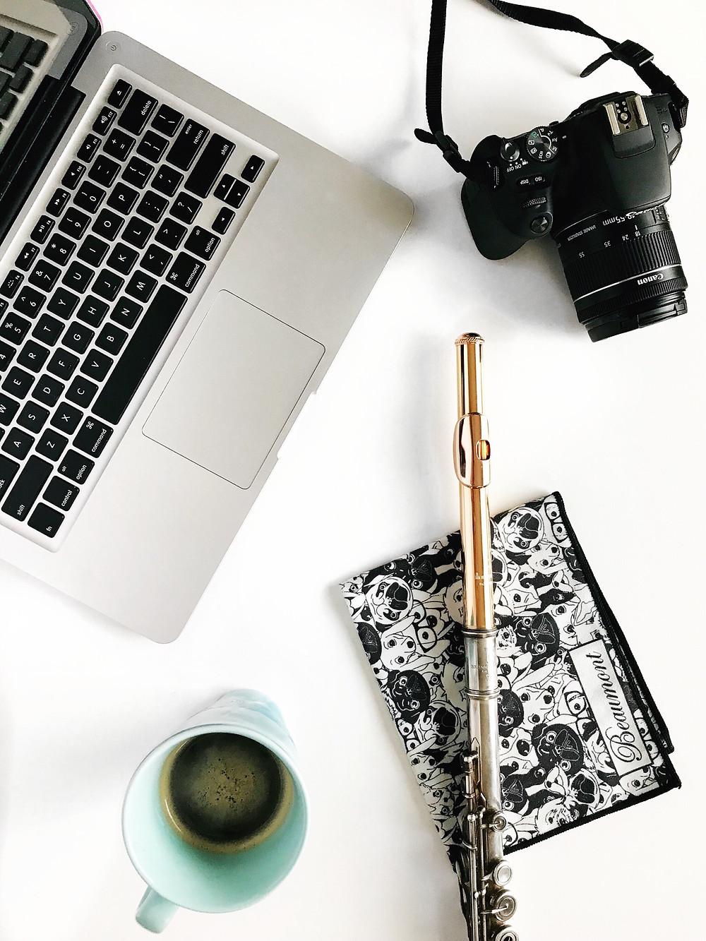 How to take beautiful photos with your phone I phone photography tips I nicolericcardo.com