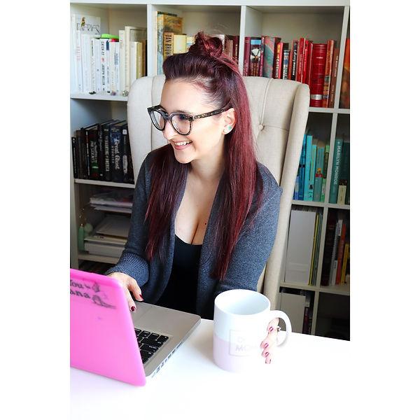 Nicole-Riccardo-Desk-Headshot.jpe