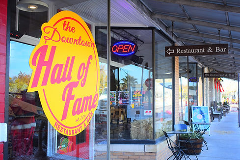 Downtown Hall of Fame in Hutto hamburgers best burger in hutto