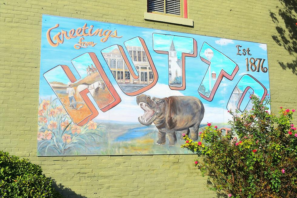 hutto greeting wall