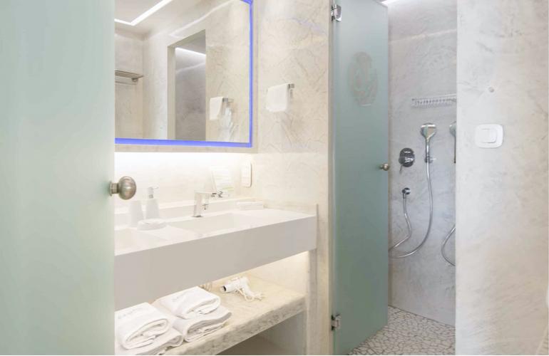 Exclusive Bathroom.png