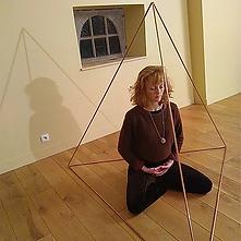 Pyramide_3_de_meditation_cuivre.webp