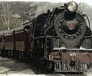 locomotive-222174_1920.jpg