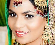 woman-smiling-1057659_1280.jpg