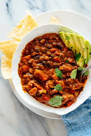 best-vegetarian-chili-1-1.webp
