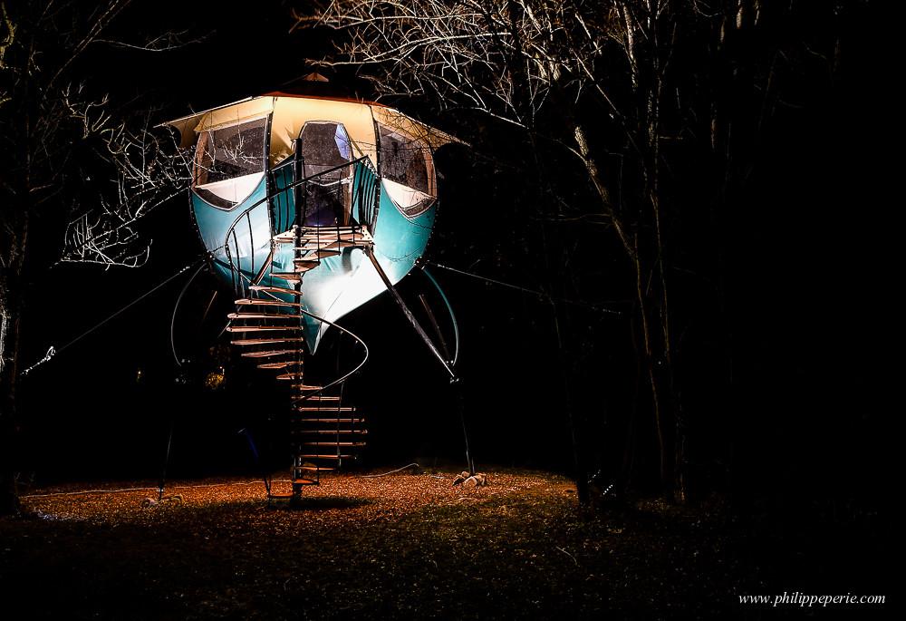 Philippe Périé pour SelvaO.com, la Campalune sur pilotis, de nuit.