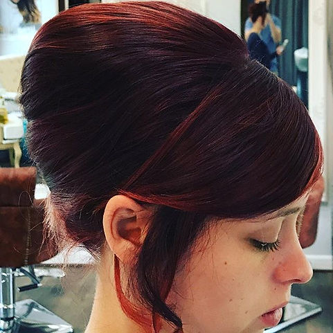 #hairstyles#updostyles#beehive#strelleyh