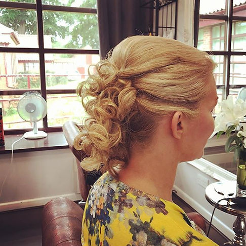 #updostyles#hairstyles#hairstylists#goin