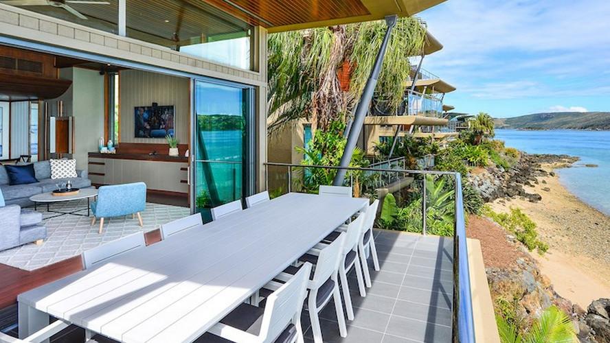 Yacht Club Villa 20