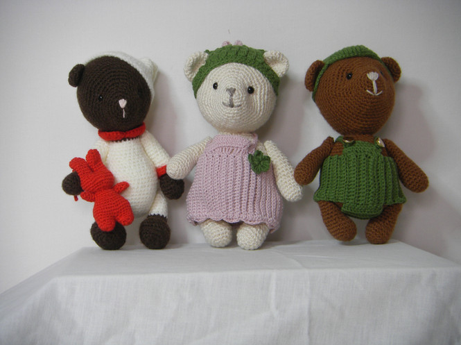Antoine, Jade et Nikola les oursons