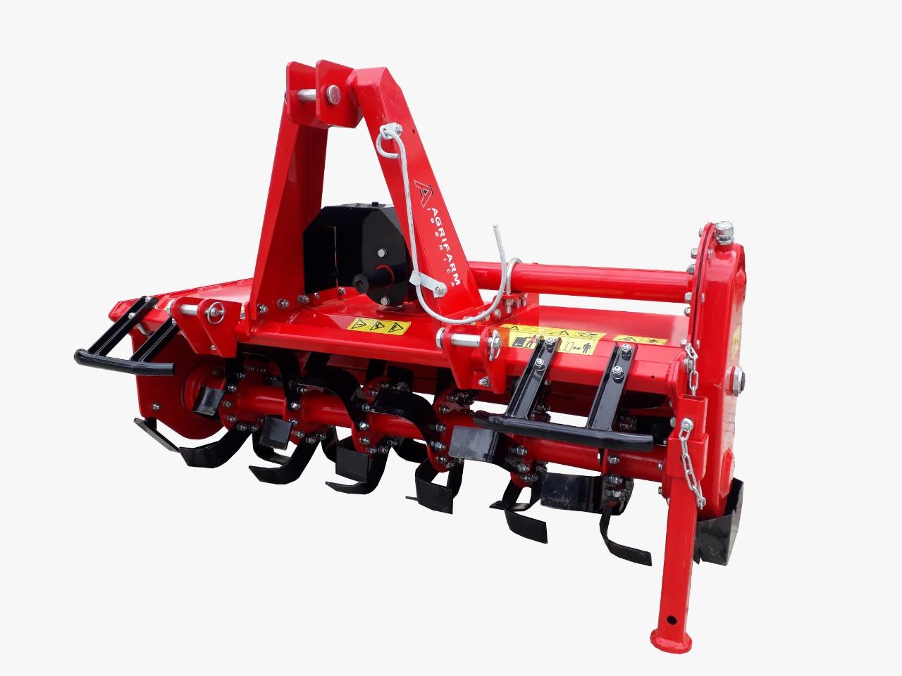 Fresa rotativa de serie ligera, para tractores y minitractores de hasta 40 Cv. Indicada para labores en jardines y huertos.  Profundidad de labor: 165 mm.