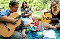 Gitarre lernen mit Baby