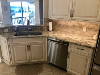 2. Kitchen on Pinnacle Ln in Naples, FL 34110