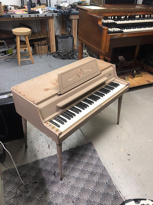 Wurlitzer 140B Electric Piano
