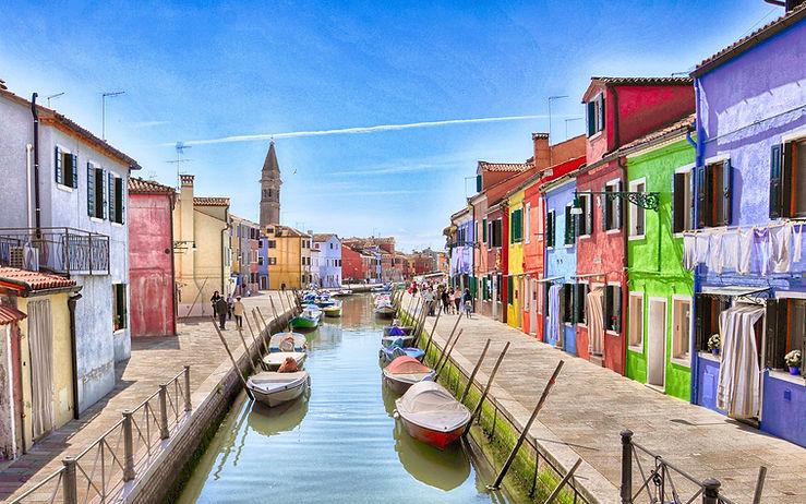 Italy-Venice-Burano-island-river-boats-h